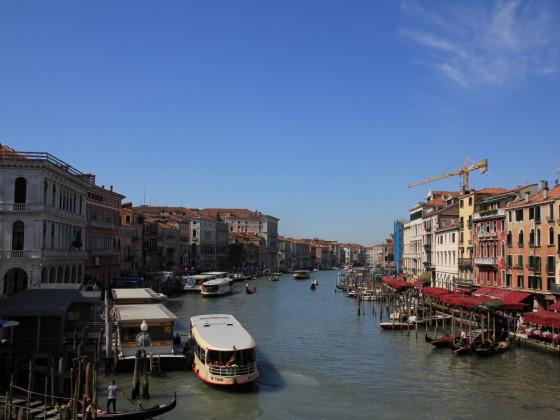 """Wasserbusse """"Vaporetto"""" in Venedig"""