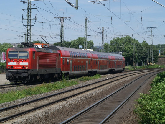 143 mit RB 27 bei Einfahrt in Koblenz Stadtmitte 02.06.19
